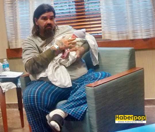 4-günlük-bebeğini-buzdolabına-koyarak-öldürdü-son-haber-izle