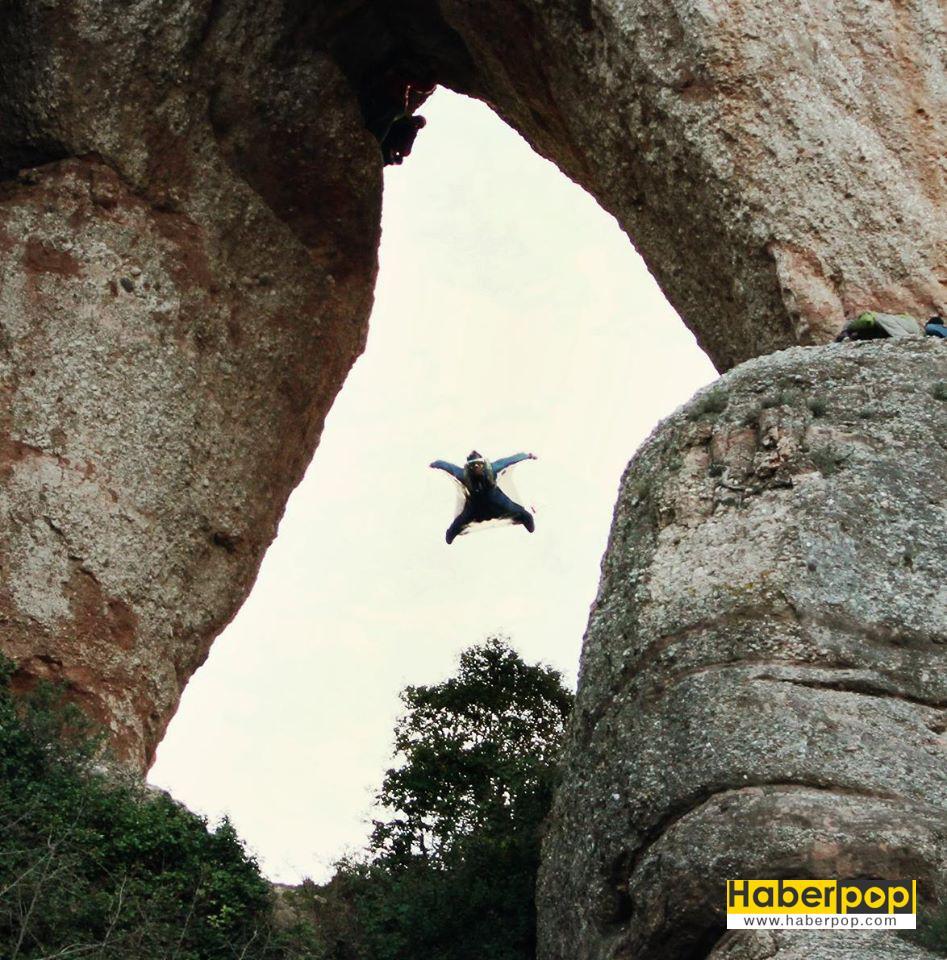 Base-jumping-yapan-sporcu-havada-ağaca-çarparak-öldü
