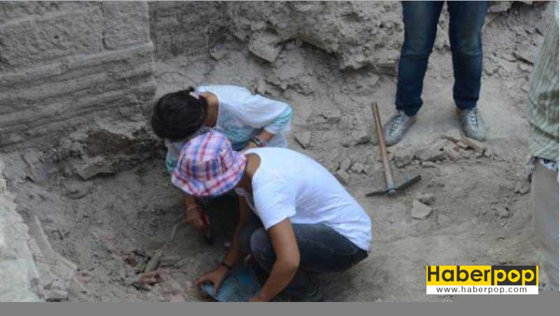 bathonea-kazilarinda-1400-yil-once-kullanilan-depresyon-ve-kalp-ilaclari-bulundu-ilginc