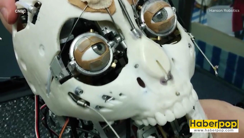 İnsanlığı-yok-edecek-akıllı-robot-üretildi-videosu