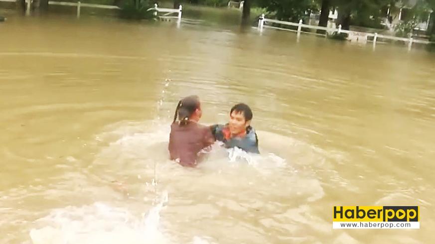 Selde-boğulan-kadını-ve-köpeğini-böyle-kurtardı-video-haber