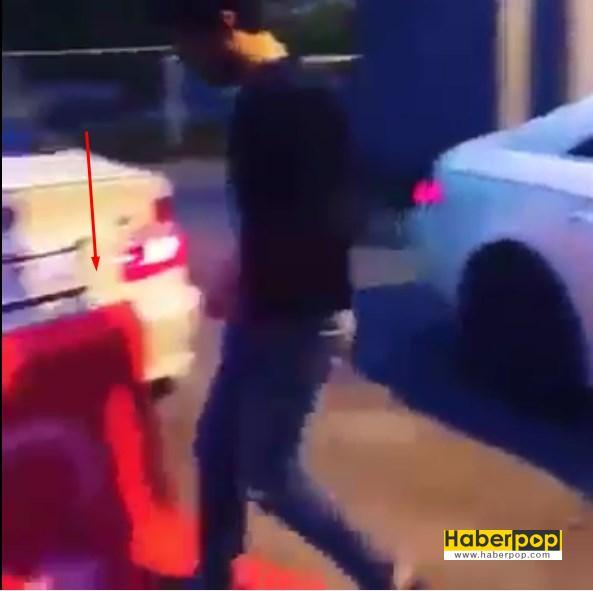 Türk bayrağını ayaklarıyla çiğneyen adam demokrasi mitingine gitti videosu izle