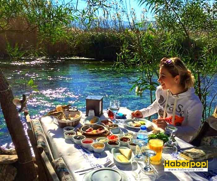 Turkiyenin-gezilecek-yerleri-gokova-akkaya-mugla-nerede-kalinir-ne-yenilir-yemek-icmek-tur-kamp-karavan-deniz-kumsal-tatil-kahvalti
