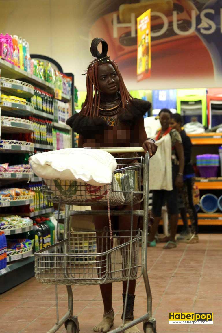 Yerli-kadın-markette-alışveriş-yaparsa