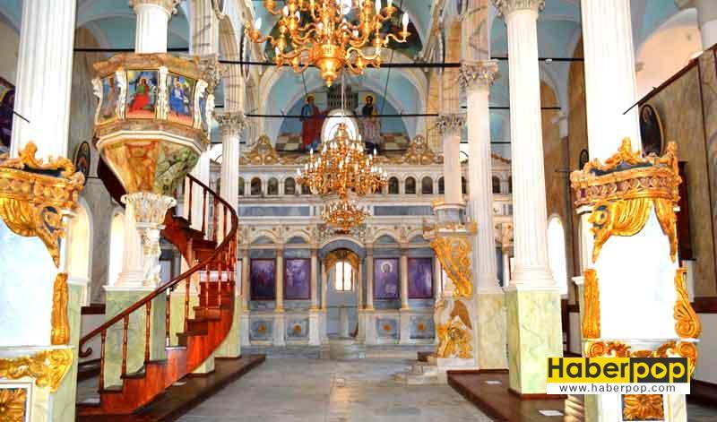 balikesir cunda adasi gezilecek tarihi yerler kiliseler-mekanlar-turlar