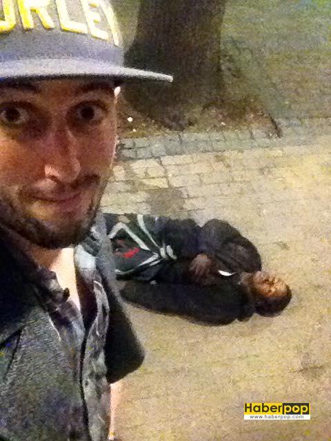 hırsızı dövüp başında selfie çekti haberpop